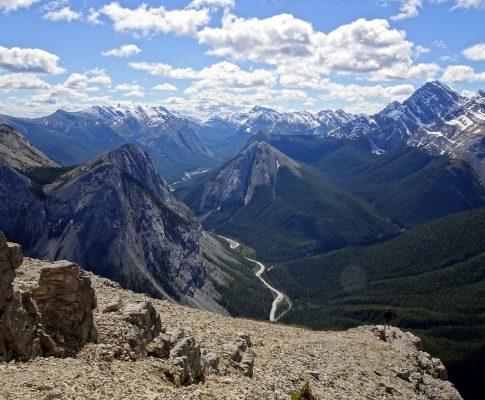 Mountains everywhere!